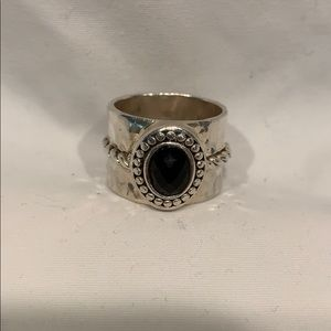 Jewelry - Sterling silver and onyx ring